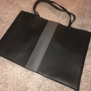Small shoulder tote